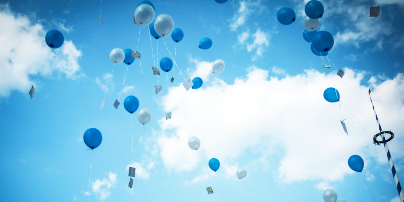 Blue sky with blue bloons