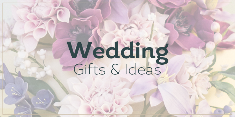 Do You Give Wedding Gift Destination Wedding : Wedding gifts and ideas with flower background